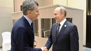 """El presidente ruso, Vladímir Putin, ha declarado que """"Argentina es un importante socio comercial y económico de Rusia en América Latina"""" tras reunirse este lunes con su homólogo argentino, Mauricio Macri, informa RIA Novosti."""