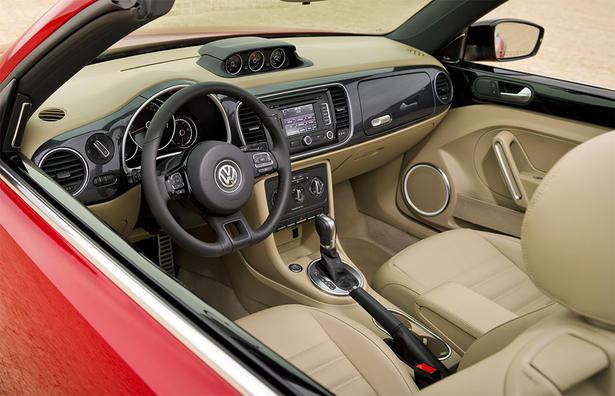 2013 Volkswagen Beetle Convertible Interior