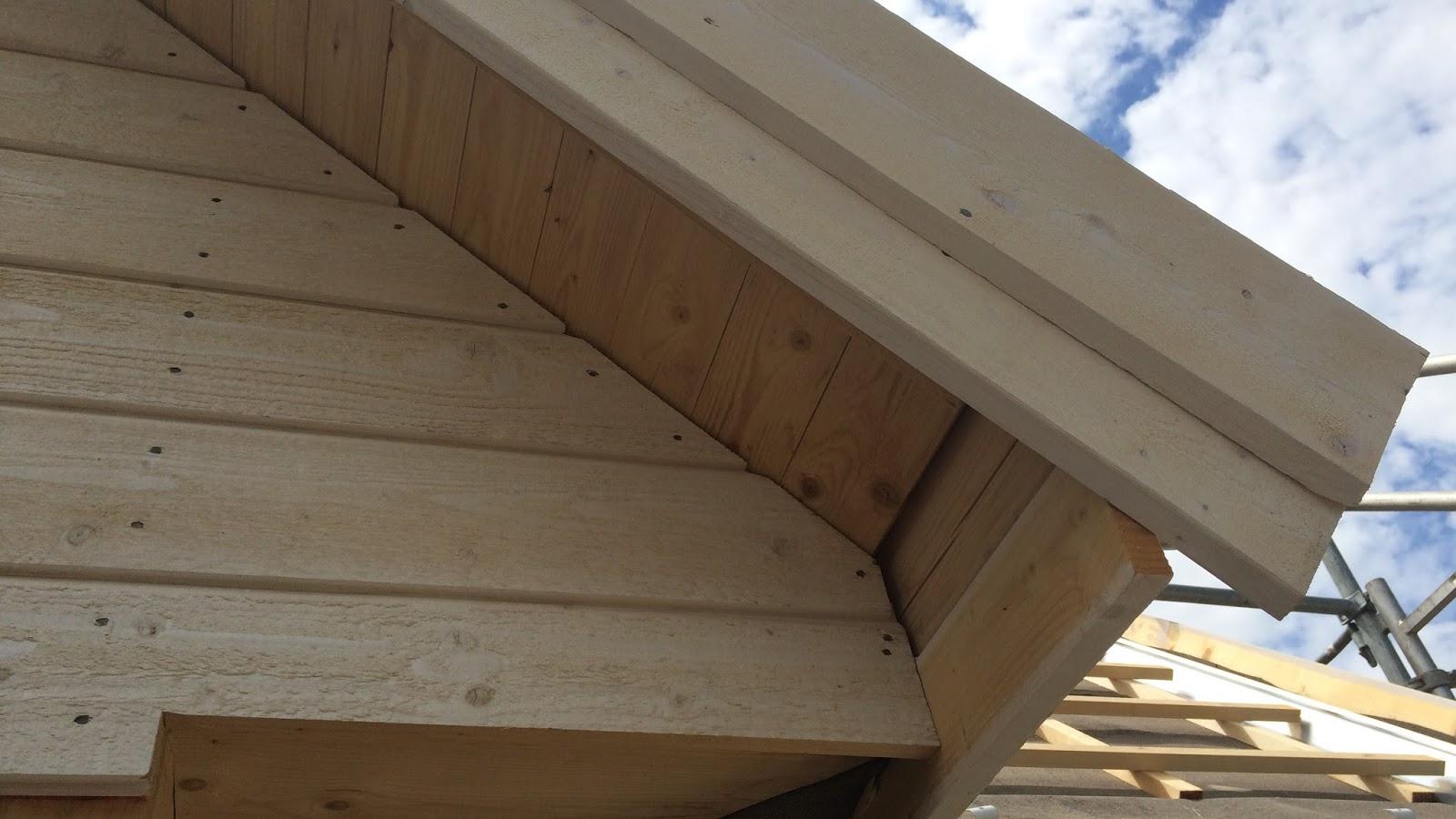 woche 13 & 14: detailarbeiten am dach - beachhouse living