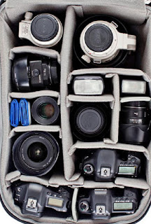 kelengkapan dalam tas kamera