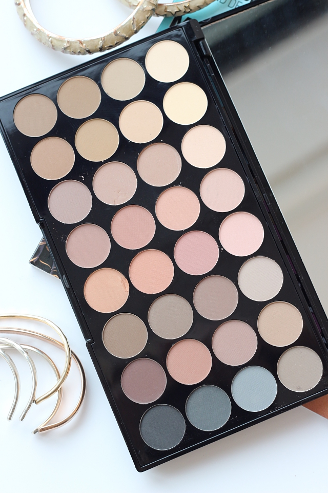Makeup Revolution Ultra Eyeshadows Flawless Matte