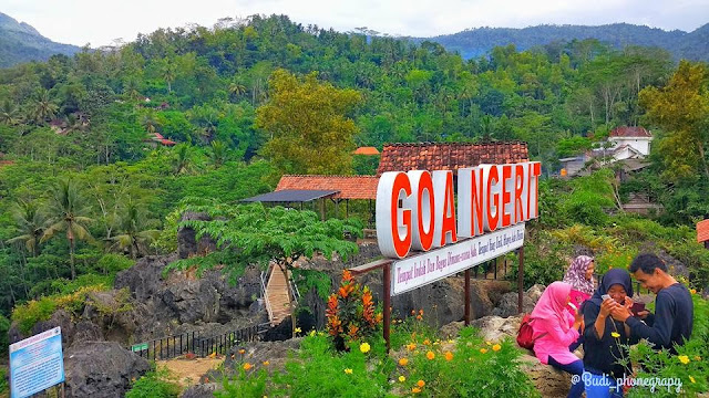 Goa Ngerit Kampak