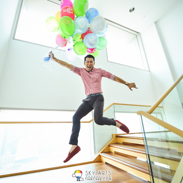 When you have colorful balloons you jump!!