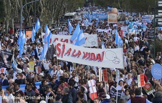 Marcha contra el aborto y a favor de la vida.en Argentina