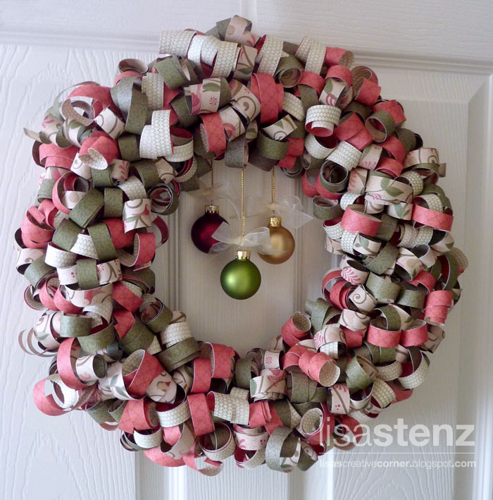 Lisa's Creative Corner: Curled Paper Christmas Wreath