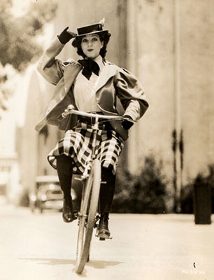 http://ridesabike.com/post/83302788870/jean-parker-rides-a-bike