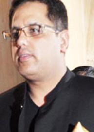 Sameer Saran and rinke khanna, wiki, age, biography