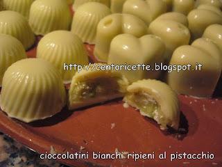 Cioccolatini bianchi ripieni al caffè e pistacchio