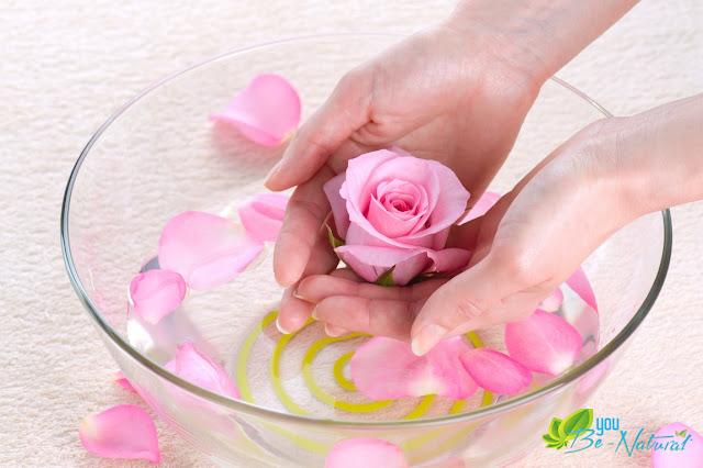 Cách làm trắng da bằng hoa hồng