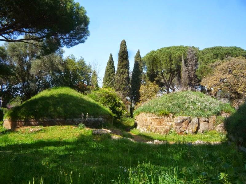 P1090196light - A Necrópole Etrusca de Cerveteri