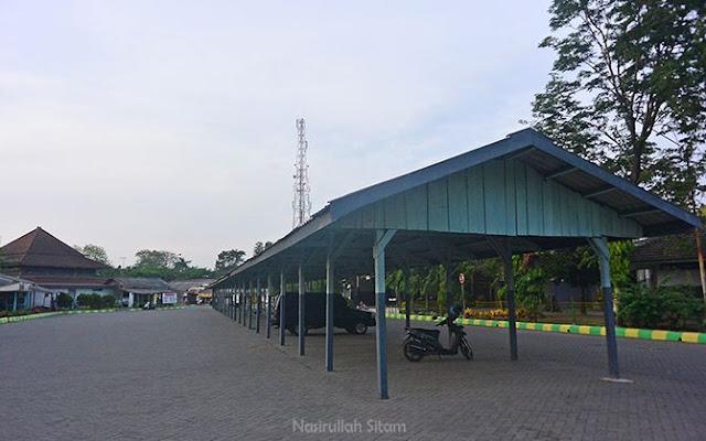 Terminal Jombang sepi saat pagi hari