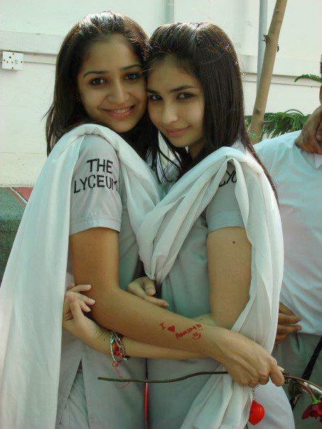 Hot Local Pakistani College Girls In Uniform Photos -5421