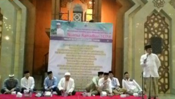Da'i Masjid Islamic Centre Jakarta Utara, Musfik Amrullah mengatakan, kerusakan di dunia ini akibat karena manusia masih jauh dari Al Qur'an sebagai pedoman kehidupan manusia.