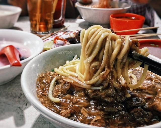 kya kya surabaya, es campur enak surabaya, lo mie surabaya, mie kembang jepun, he mie surabaya, lo mie, he mie, chinese food, kuliner surabaya, blogger surabaya, kekinian, kota pahlawan, chippeido, food blogger surabaya, sate babi surabaya, sate babi enak