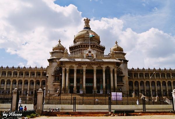 Vidhana Soudha -Parlament-Bangalore