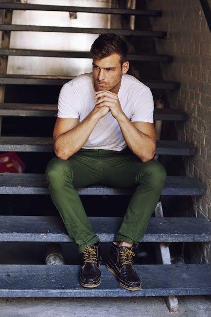 Look masculino greenery calça verde