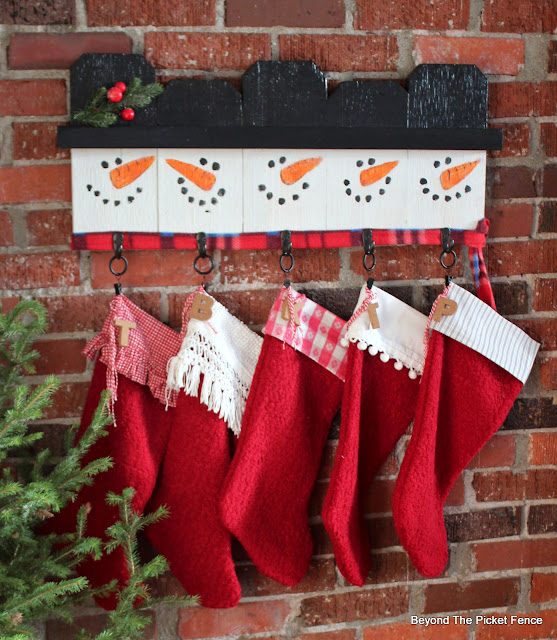 Make a Snowman Stocking Hanger From Fence Scraps