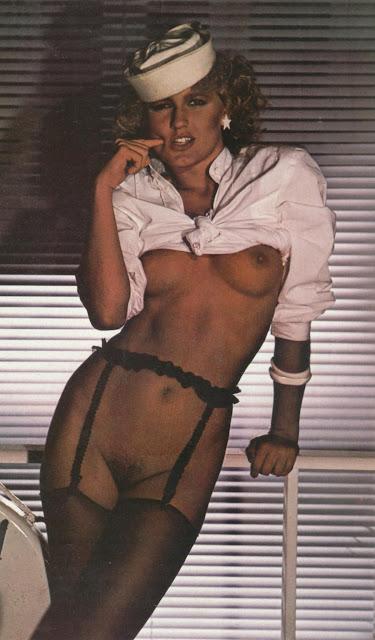 Fotos da Xuxa nua pelada na Revista Status Plus