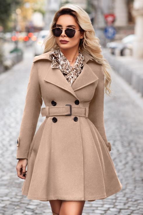 Palton dama de iarna bej scurt evazat din stofa la reducere