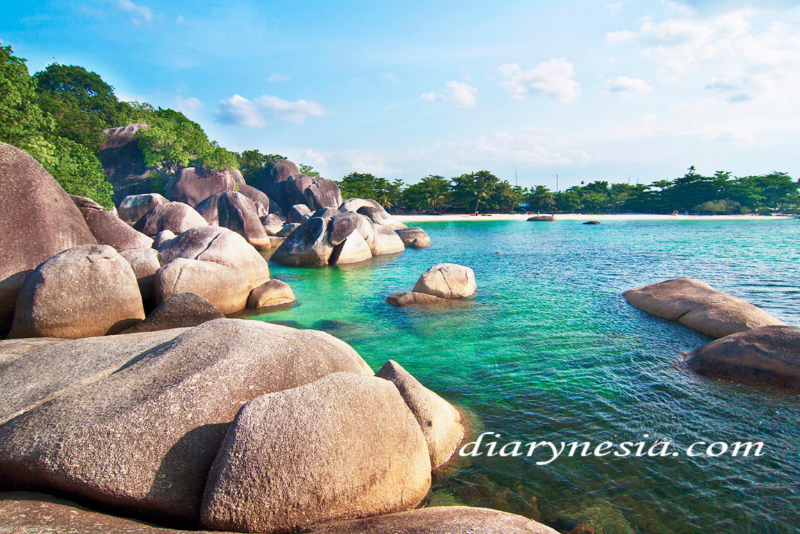 bangka belitung tourism, tanjung tinggi beach, things to do in tanjung tinggi beach, diarynesia