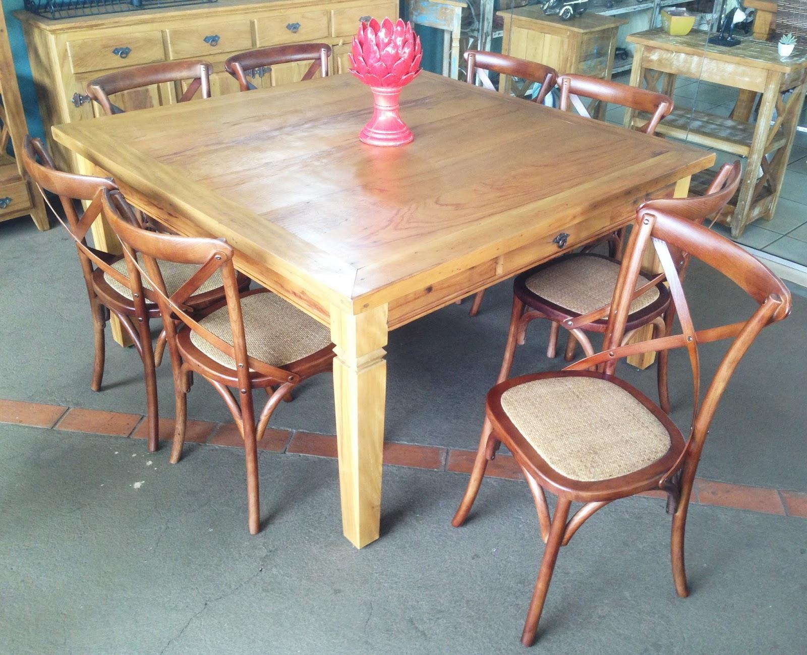 stof lar decora es m veis em madeira de demoli o mesa quadrada 1 50x1 50 e cadeira paris. Black Bedroom Furniture Sets. Home Design Ideas