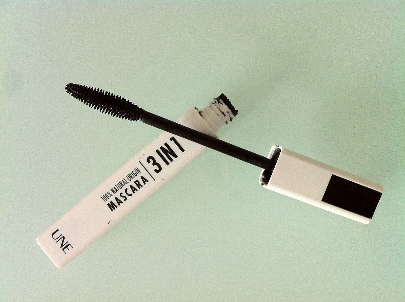 MASCARA 3 EN 1 DE UNE NATURAL BEAUTY : UNE TUERIE !