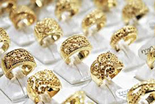 Ternyata, Ini Alasan Mengapa Pria Dilarang Pakai Perhiasan Emas