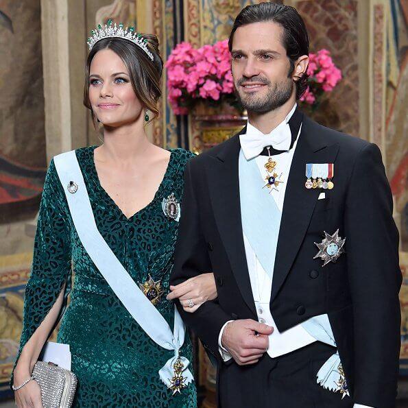 Crown Princess Victoria, Prince Daniel, Prince Carl Philip, Princess Sofia and Princess Christina. diamond tiara and diamond earrings