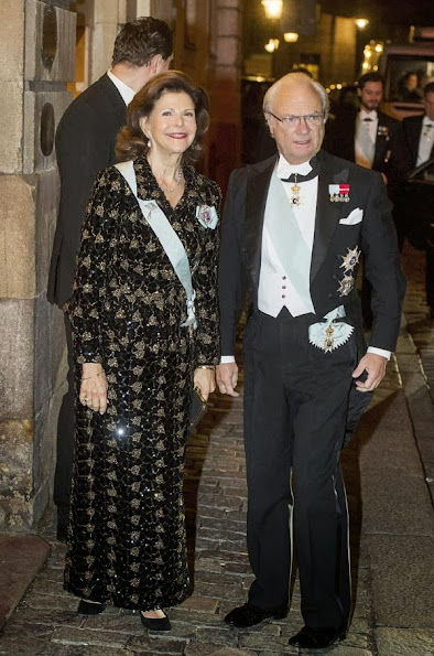 Queen Silvia, Crown Princess Victoria, Princess Madeleine wore gown, style toyal fahions