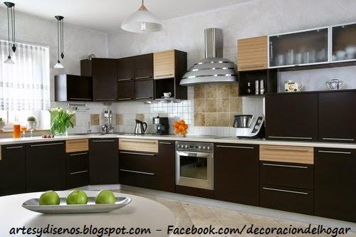 9bd7b39d83852 En esta imagen se puede mostrar una cocina de color marrón con variación en  tonos crema