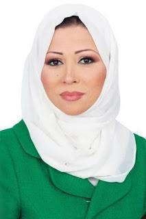 خديجة بن قنة (Khadija Benguenna)، مذيعة جزائرية