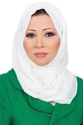 قصة حياة خديجة بن قنة (Khadija Benguenna)، اعلامية جزائرية