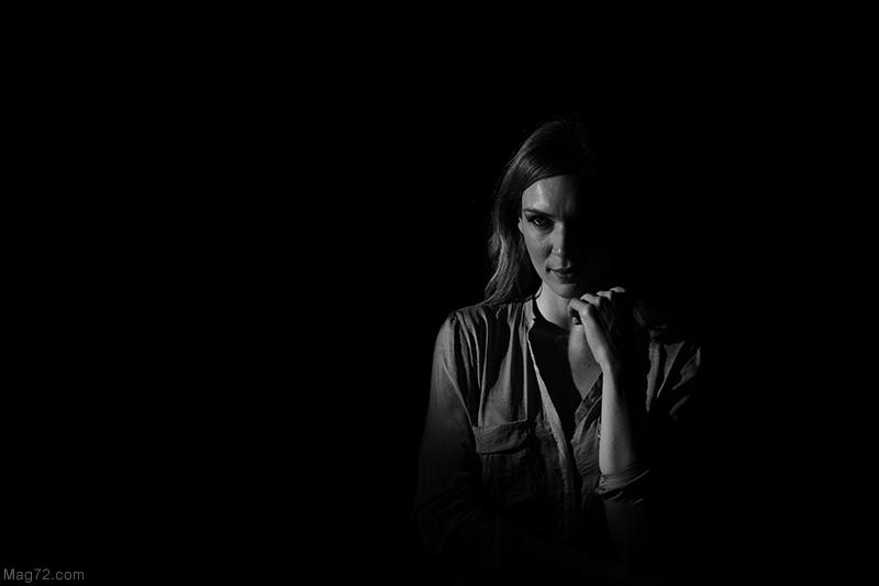 Fotografia in bianco e nero della modella Silvia Sera