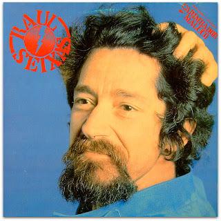 """Raul Seixas na capa do disco """"Carimbador Maluco"""" de 1983."""