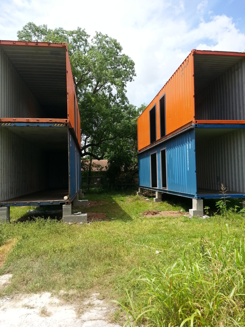 02-Kriegercontainers-reddit-Architecture-Container-Building-that-Blends-www-designstack-co