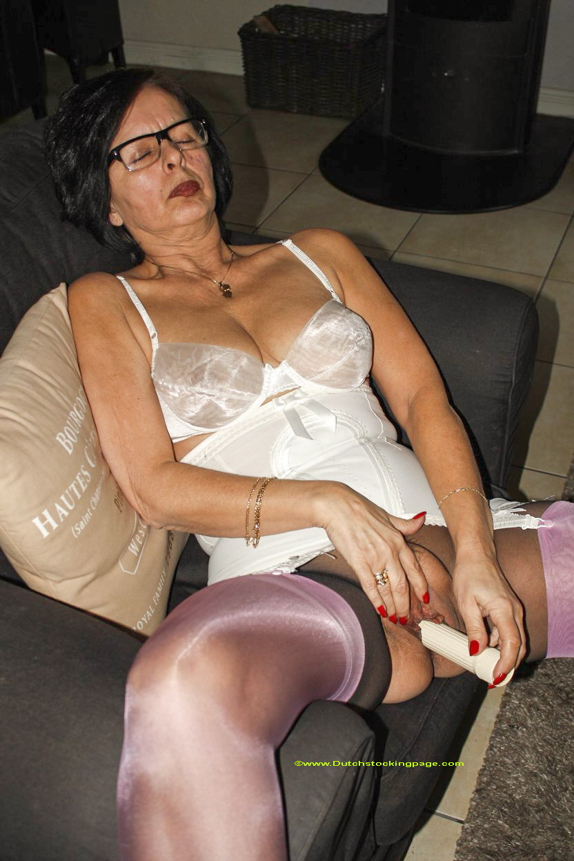 Mature Housewife Tube