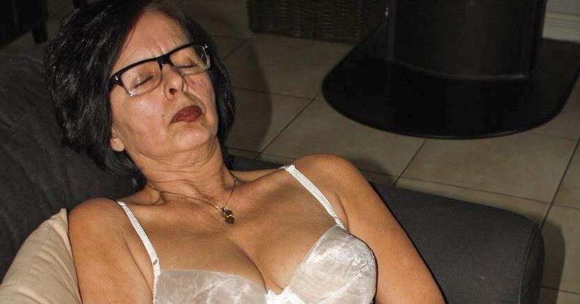 Mature women mastrubating-9609