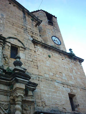 iglesia ,San Bartolomé, plaza ,Beceite ,Beseit, misa, fachada