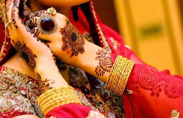 21 Latest and Simple Dulhan Mehndi Designs Images