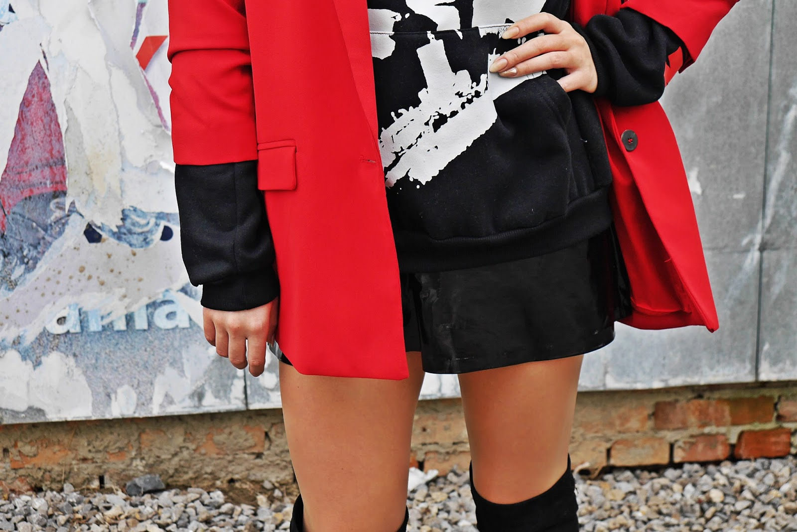 3_red_jacket_black_hoodie_titanic_karyn_blog_modowy_171017sd
