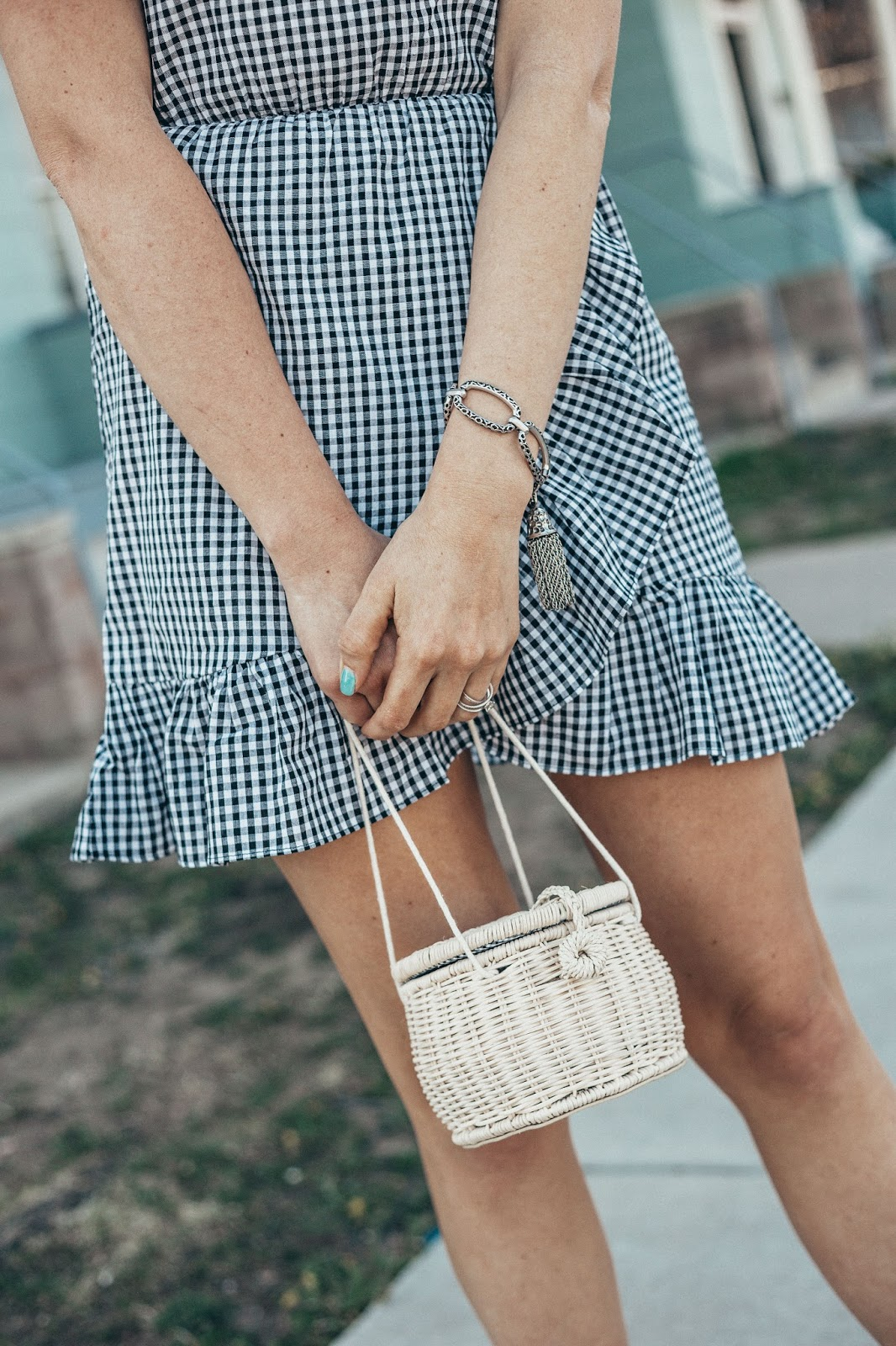 Best Spring Handbags featured by popular Colorado fashion blogger, Leah Behr