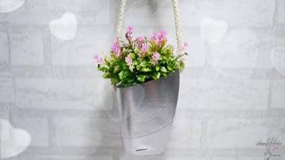 Membuat Pot Bunga dari Barang Bekas Botol Shampoo