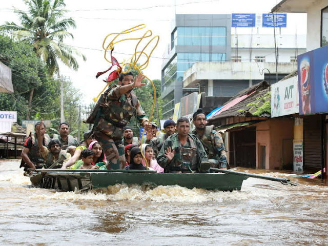 Latest News Today केरल: बाढ़-बारिश से 9 दिन में 324 लोगों की मौत, 2 लाख से ज्यादा राहत शिविरों में; मोदी करेंगे हवाई सर्वे |
