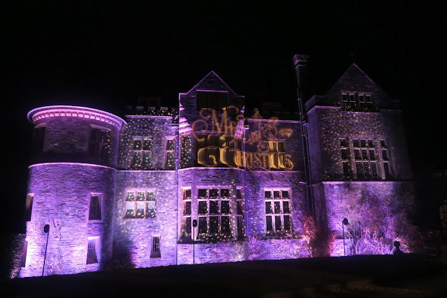 Christmas at Beaulieu Palace Performance
