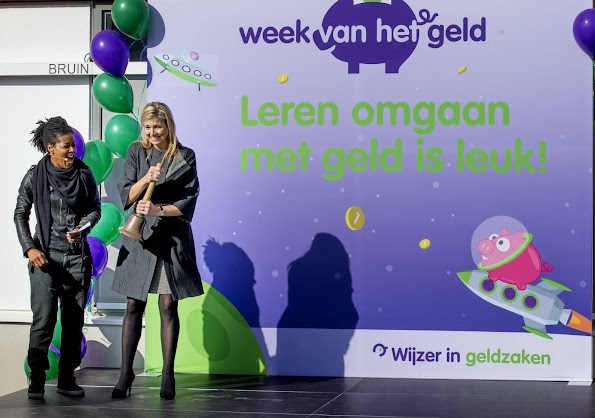 Queen Maxima of The Netherlands at the start of the 6th edition of the Money Week 2016 at the Twaalfruiter school in Vleuten