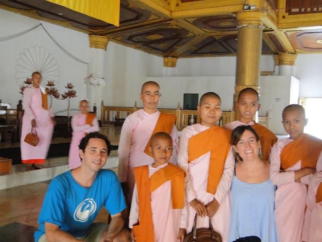 Monjas en Mandalay