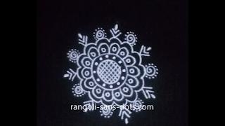 small-free-hand-rangoli-289ac.jpg