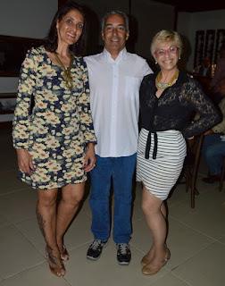 esq. p/ dir. – Patrícia Vilar, Arsênio Teixeira e produtora Eliana Resende