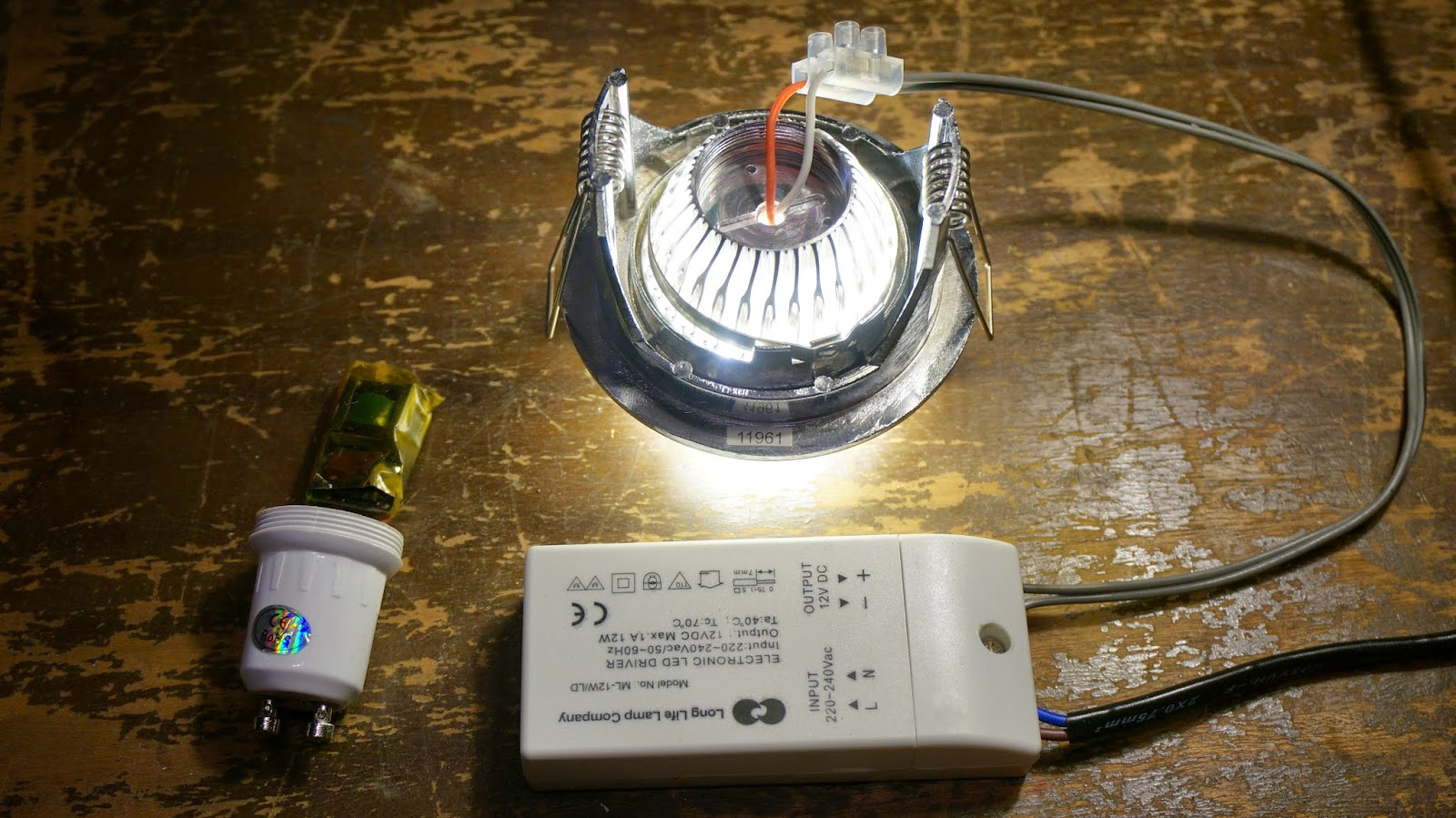 Led Driver Powers Halogen Replacement Cut Your Carbon This Design Flaw In Such Cheap Gu10 Bulbs Is Actually An Argument Favour Of Low Voltage Mr16 Leds These Replace 12 Volt Lamps Directly But