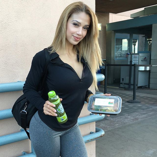 Fitness Model Lais DeLeon (@laisdeleon) Instagram photos